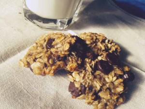 Oaty Chocolate Chip Breakfast Cookies