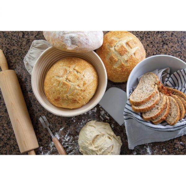 Baking image with round banneton