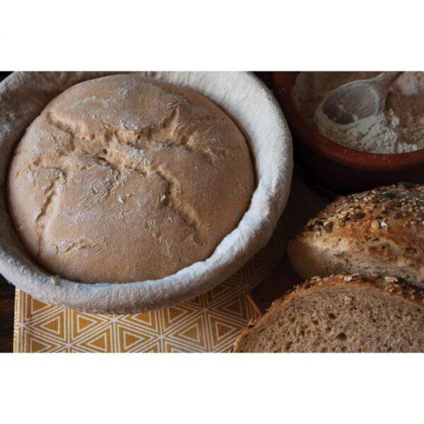 Round dough in banneton